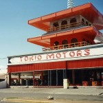 Retro: El Edificio de Tokio Motors